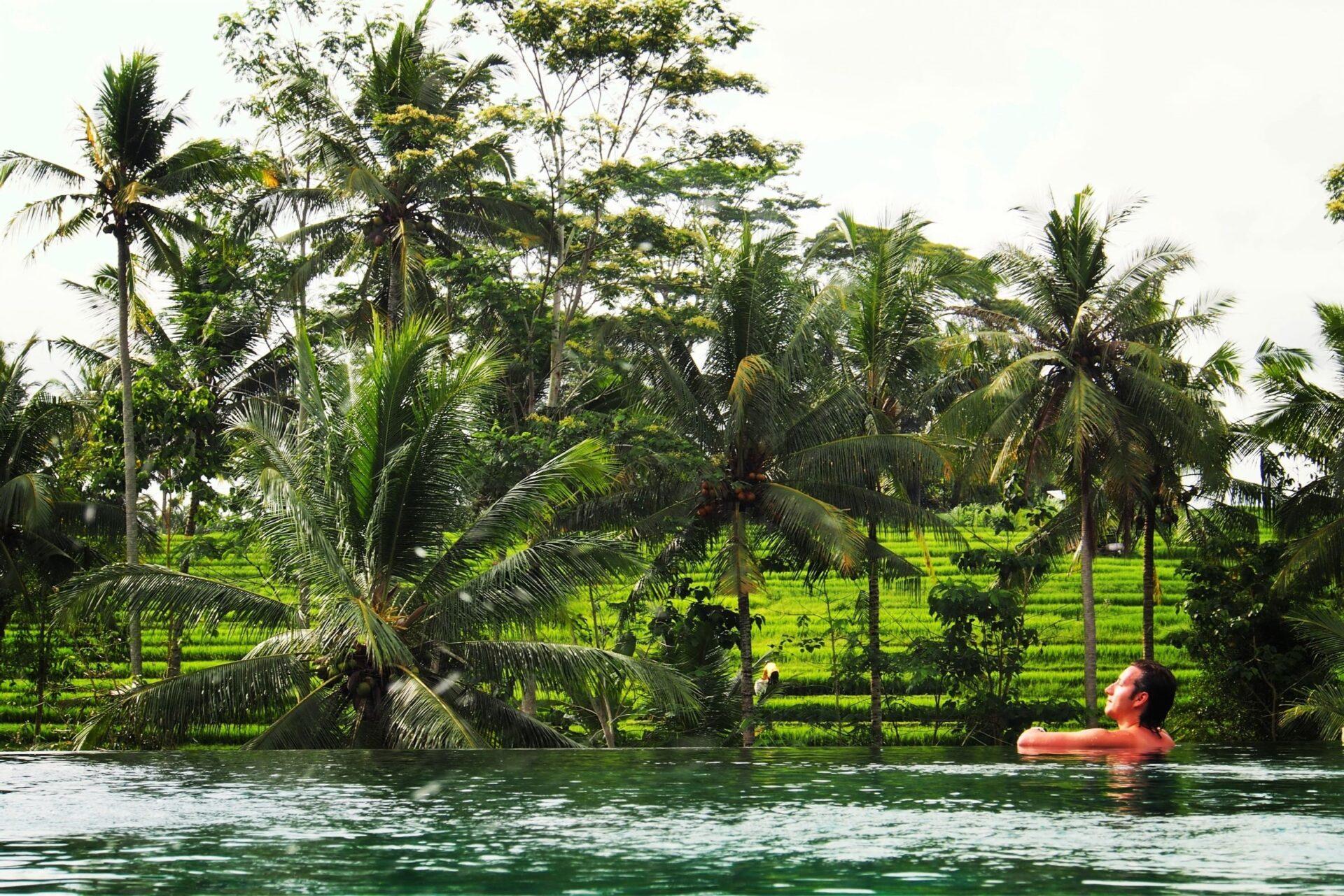 О. Бали