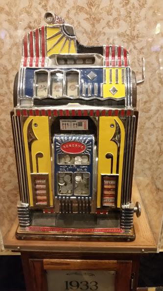 Один из первых игровых автоматов