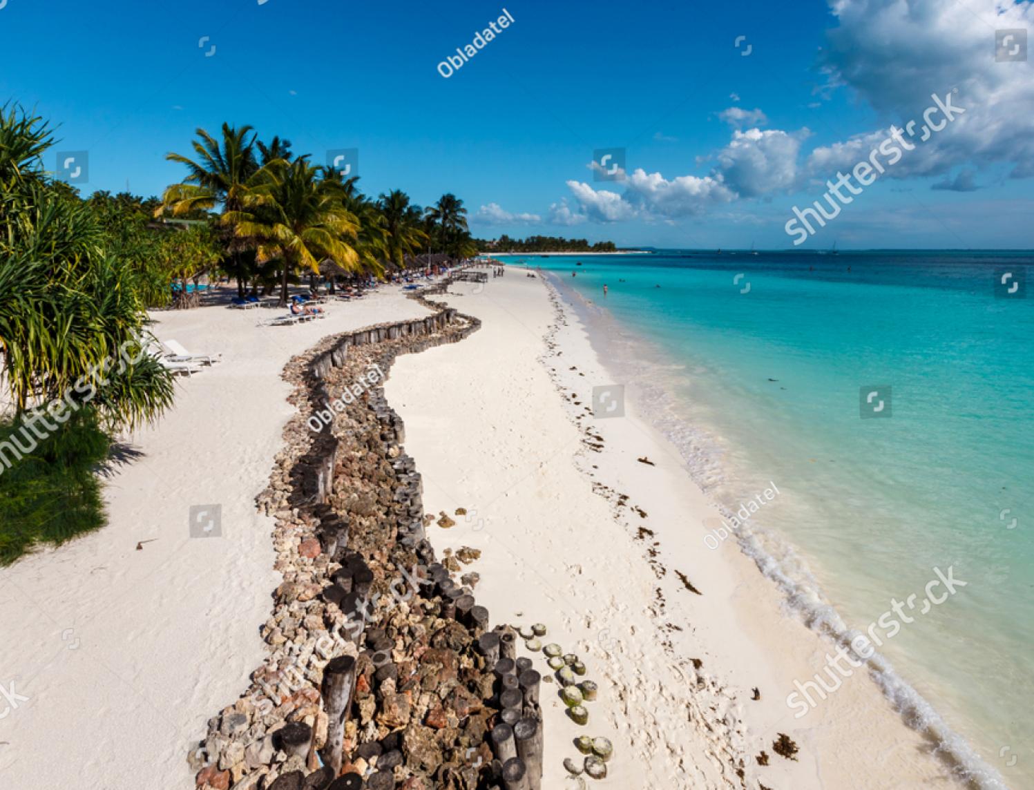 """Пляж отеля Diamonds La Gemma Dell""""Est (за месяц куплена 2 раза)"""
